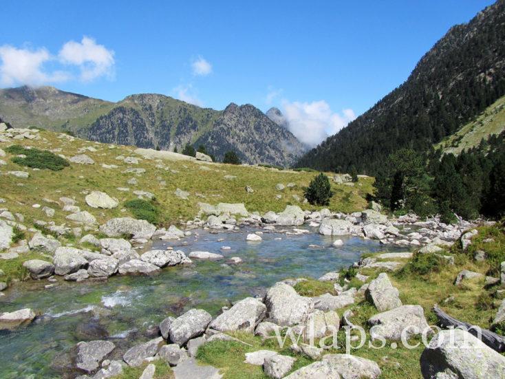 ruisseau au Lac de Gaube